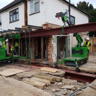 2.4-Tonne-Beam-Installation-in-Surrey1