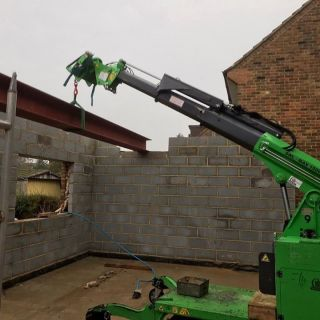 650kg-Steel-Beams-Installation-in-Burnham2