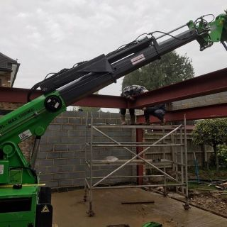 650kg-Steel-Beams-Installation-in-Burnham3