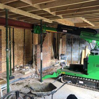 750kg-Steel-I-Beam-Installation-in-Woking