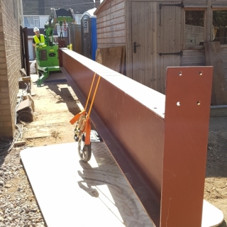 Huge steel I-beam installation made easy with the Hooka, only 1 metre wide ideal for tight access sites. Hired from Hook-up Solutions call 07971 174 523 for Southern Hire or 01462 499 642 for Eastern Hire