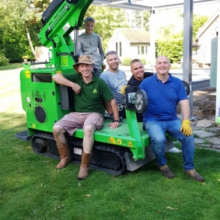 The Hooka and team after successful installation of steel I-beams. Hired from Hook-up Solutions call 07971 174 523 for Southern Hire or 01462 499 642 for Eastern Hire