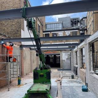 Installing-Steel-Beams-in-a-Tight-Access-Site-in-London1