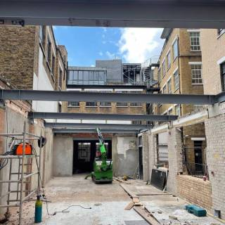 Installing-Steel-Beams-in-a-Tight-Access-Site-in-London2