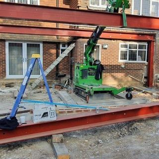 Moving-and-Lifting-Steel-Beams-in-Glasgow1