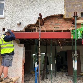 Six-Steel-Beams-Installed-in-Farnham2