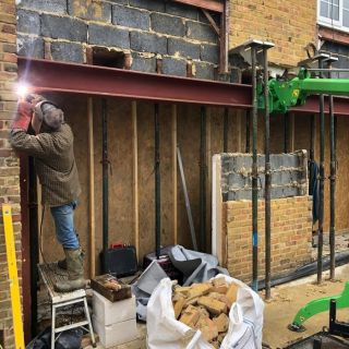 Steel-Beam-Installation-in-Southampton2