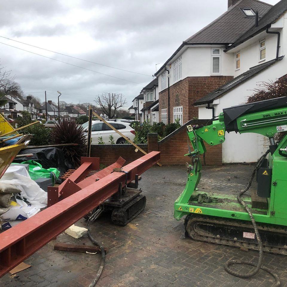 5 Steel Beams Installed in Eltham