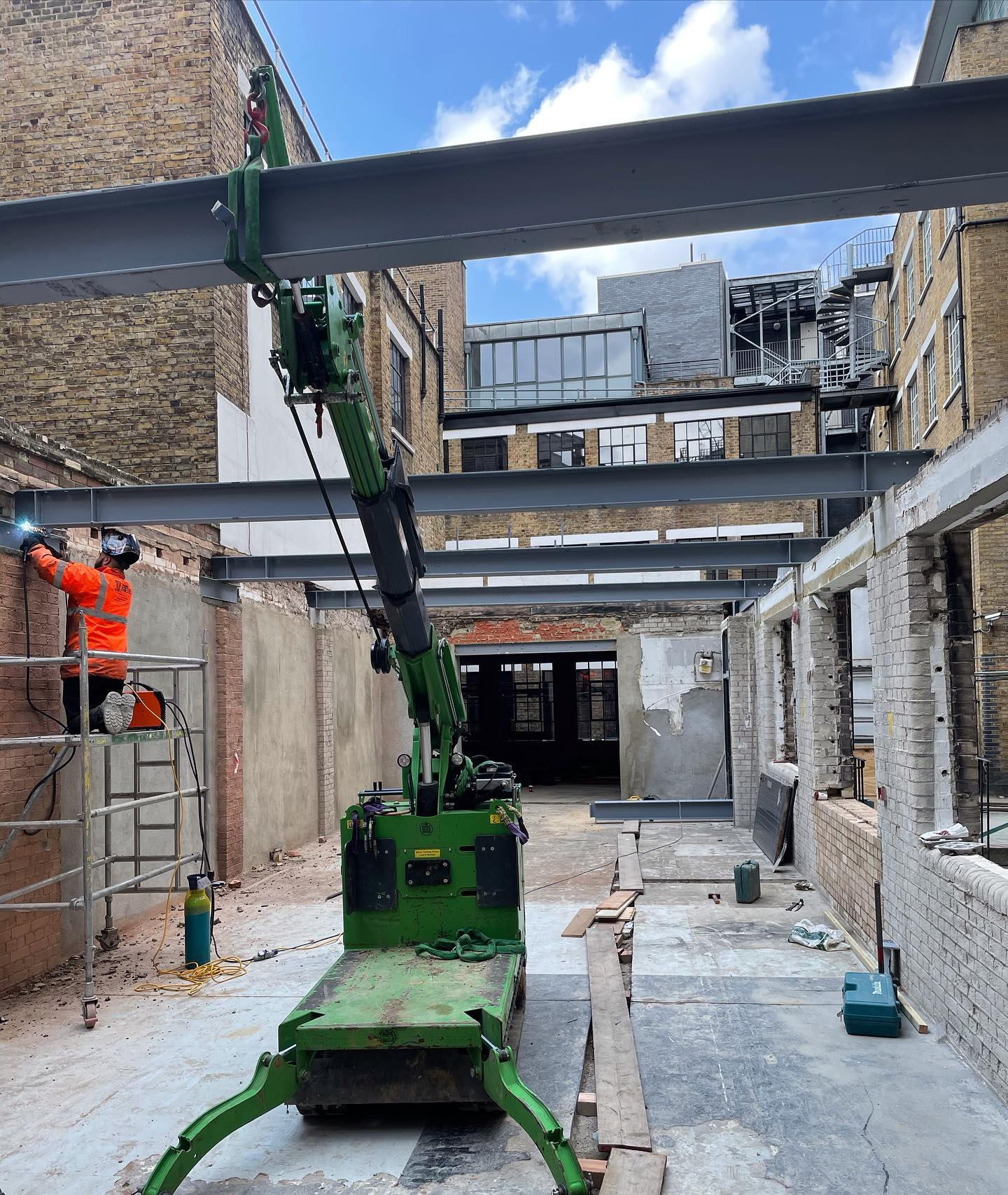 Installing Steel Beams in a Tight Access Site in London